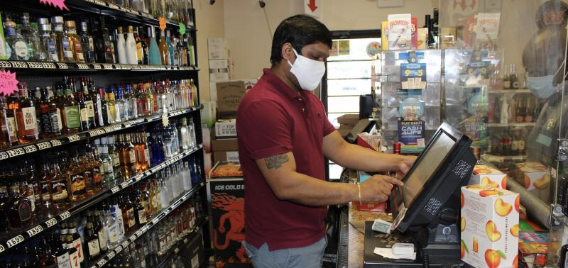 Governor McMaster restricts SC alcohol sales to slow spread of COVID-19 among young people